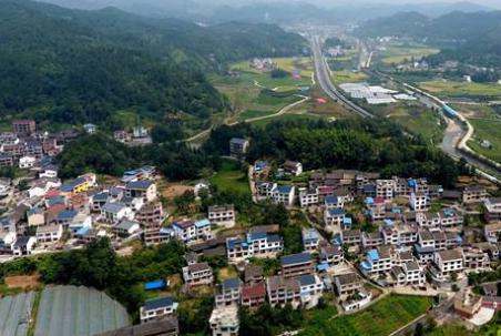 四川:县级以上文明村镇占比 明年底达50%以上