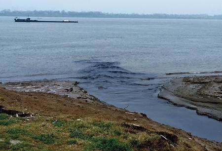 设暗管排废水入长江 泸州这家公司被罚4名股东获刑