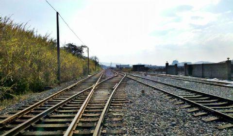 成自铁路今年开建 成都平原经济区交通加快融合发展