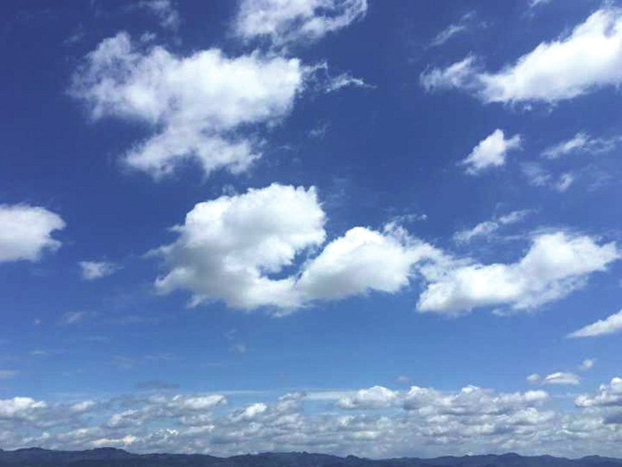 蓝天+白云 成都今天仍是好天气