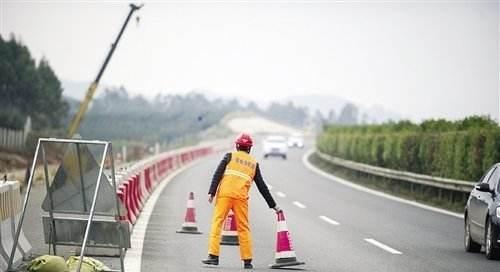 3月下旬 成渝等省内14条高速有施工