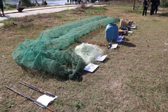 非法捕鱼工具展示