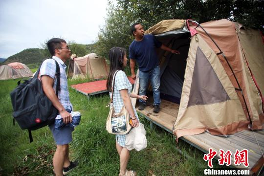 雷竞技app苹果版盐源小伙返乡创业:将帐篷客栈开在泸沽湖畔