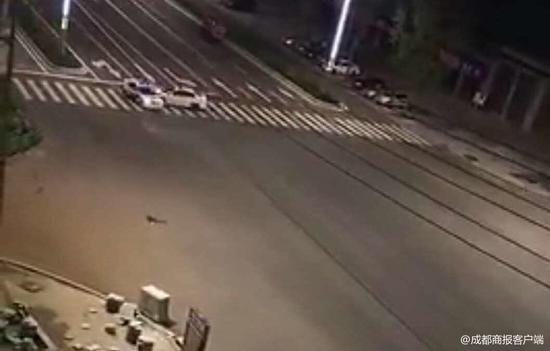 凌晨遇检查拒绝配合 营山男子竟驾车直接冲撞民警和警车