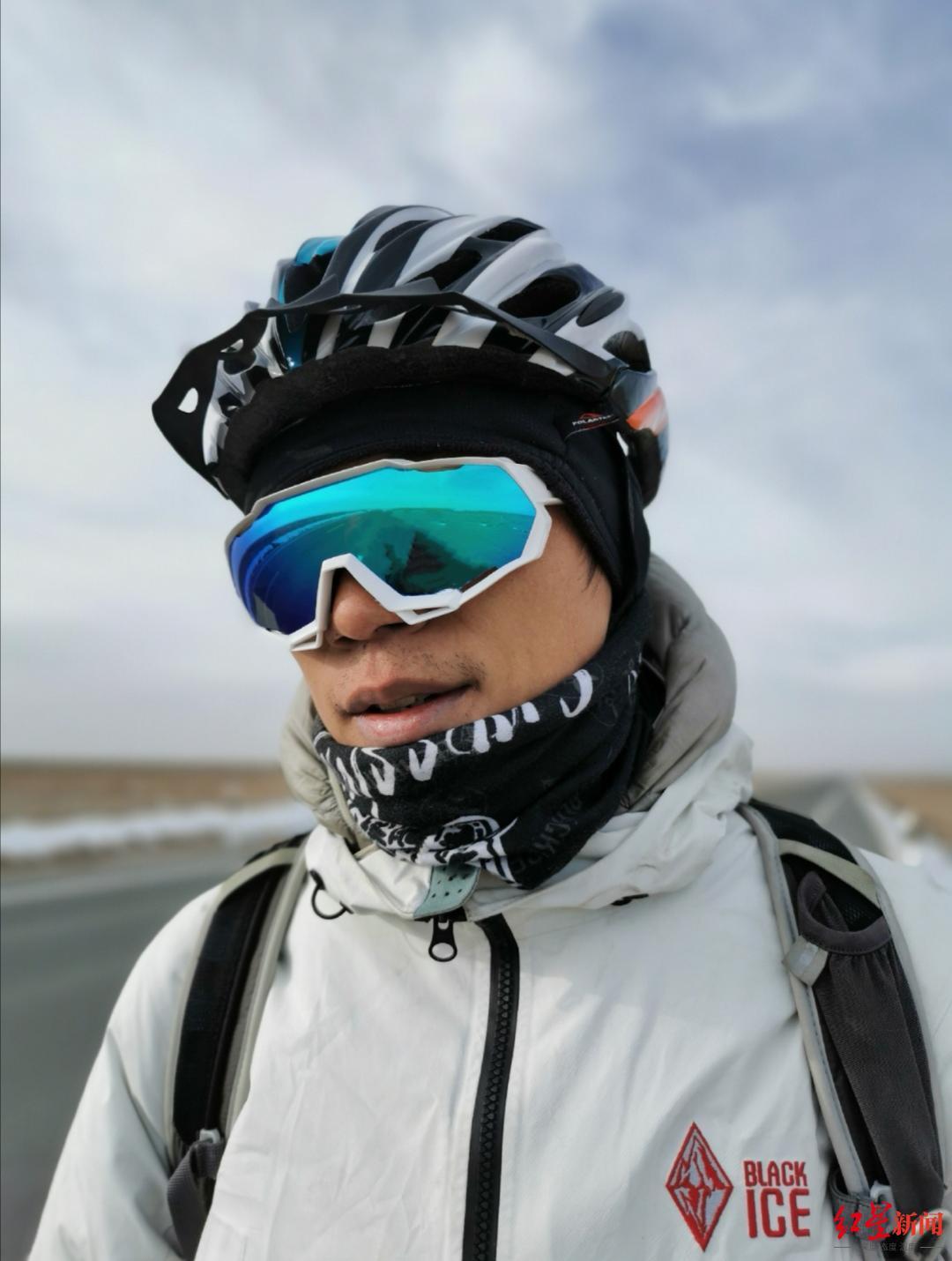 四川小伙挑战轮滑吉尼斯世界纪录 因疫情困在阿尔巴尼亚4个多