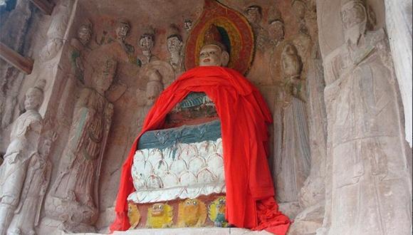 四川安岳石窟造像被彩漆重绘 国家文物局:立即全面调查