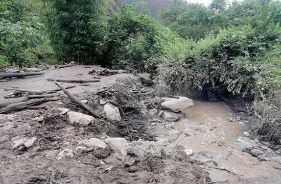 凉山木里发生一起火后泥石流灾害 386人15分钟完成撤离无伤亡