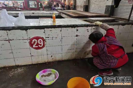 遂宁城市乱象曝光台追踪:农贸市场脏乱差已明显改善