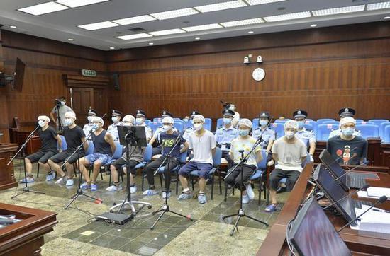 诱骗胁迫求职者人体藏毒入境 成都9人涉黑团伙被严惩