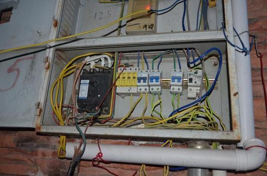 汉源公安破获近30年来首例窃电案 涉案电价7万余元