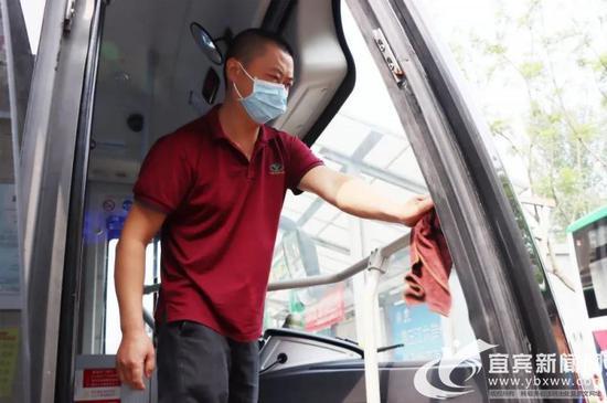 助力高考 宜宾抽调92辆新能源公交车做好运力保障