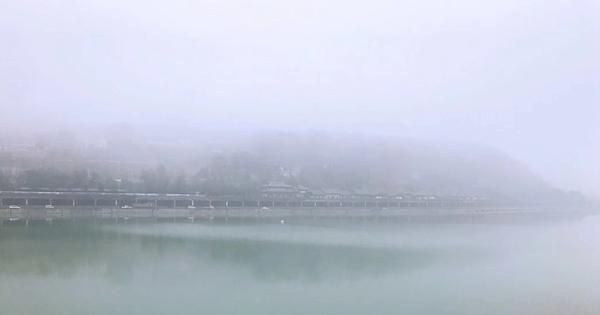 今早大雾中的皇泽寺片区 网友花兮 供图