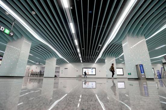 3月13日,备受关注的成都地铁1号线三期13座车站揭开了神秘面纱