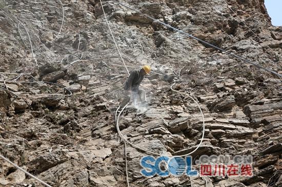 地灾隐患点排危除险 九寨沟县5月前完工27处应急抢险项目