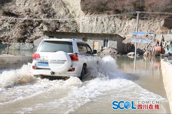 金沙江堰塞湖预计12日开始泄洪 G318、G215线等多处道路管制