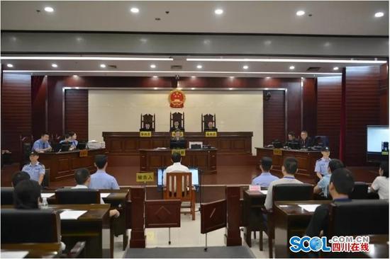 四川旺苍县原县委书记刘亚洲受贿案一审开庭