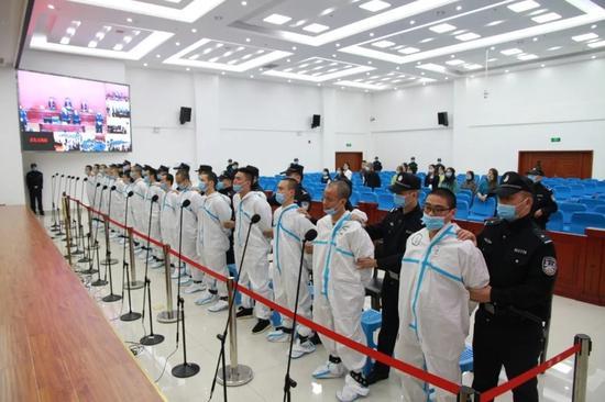 最高刑20年 达州市开江县法院宣判一起15人涉黑案件