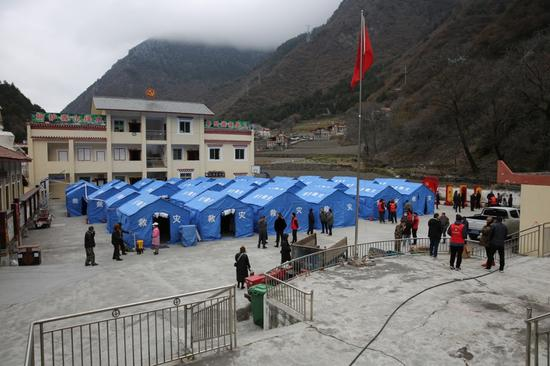确保生命安全 山体开裂下挫 阿坝紧急避险转移34户村民