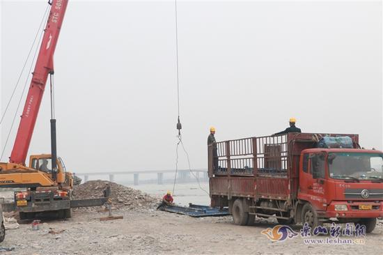 乐西高速大渡河特大桥预计明年2月初左幅完工