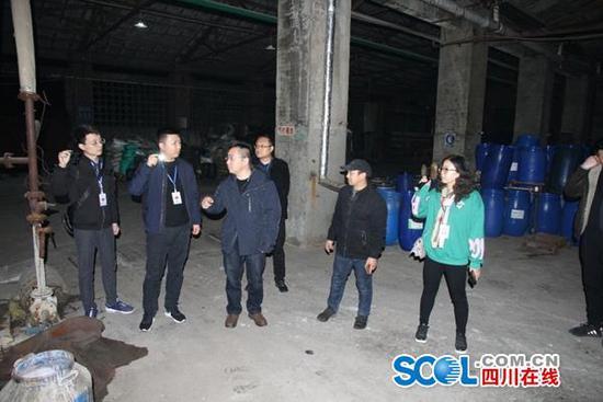 自动监测数据报警 四川环保铁军夜袭排污企业
