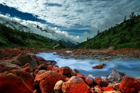 甘孜:低风险地区绿码游客可正常进州旅游