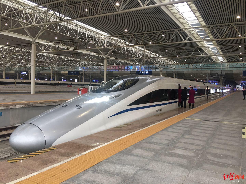 首趟搭载近900人 温州派专列接四川务工人员