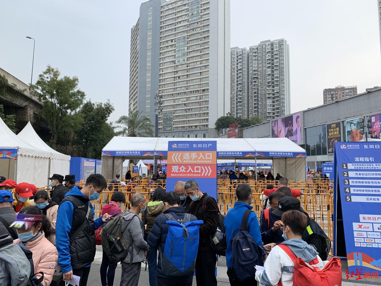 """""""成马""""周日开跑!今年2347名志愿者为参赛选手服务"""