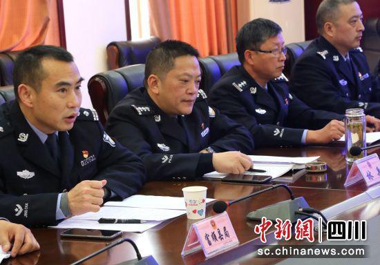 自贡首例涉黑案件已移送起诉 警方鼓励群众举报黑恶势力