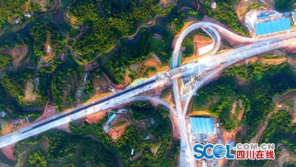 成宜高速有好消息!宜宾段主线半幅贯通 计划年底通车