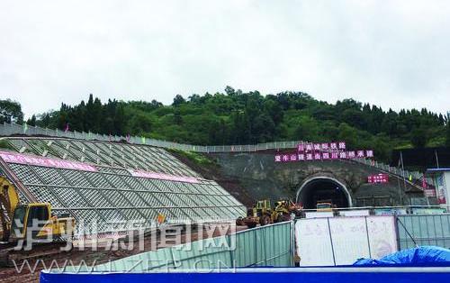 望牛山隧道预计明年1月中旬贯通