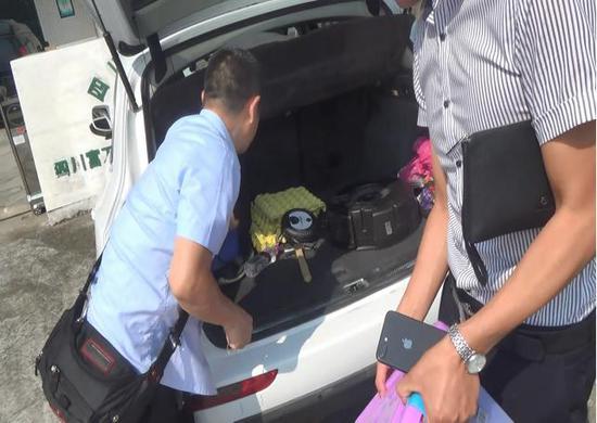 男子涉四起案件不履义务 豪车被扣后主动还款