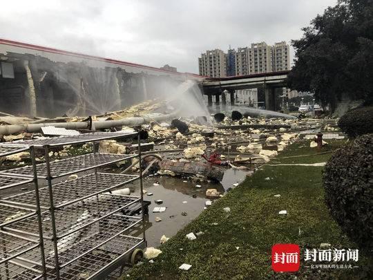 遂宁一厂房液氨泄漏 储罐墙体被炸裂 无人员伤亡