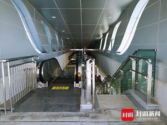 成都首条放射性BRT 快速公交K3线今日正式开通