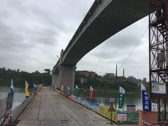 川南城际铁路(内江段)三元沱江特大桥施工现场