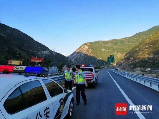 8月15日零时 四川高速交警正式接管都汶高速映汶段
