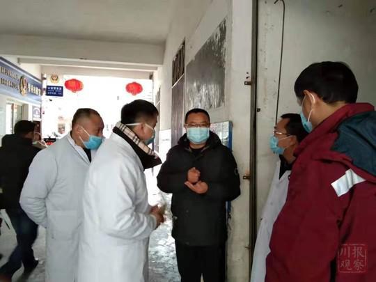 遂宁设立24小时发热门诊110个 开展疫情防控和医疗救治工作