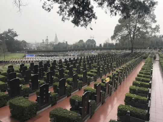 清明祭扫高峰已至 成都天府新区公墓发布交通指南