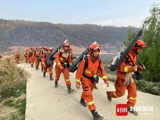西昌泸山山火复燃:发起攻坚战 海南加油站、光福寺等重点区域