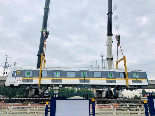 """列车车厢分""""冷暖""""实现拥挤度可视化 成都地铁首条全自动运行"""