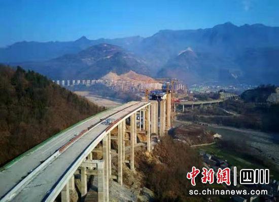 九绵高速平武段木座至平武预计今年6月底前实现通车