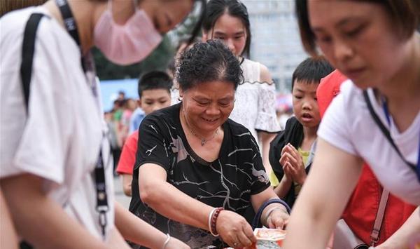 勇敢·互助·感恩——对话宜宾地震灾区受灾群众