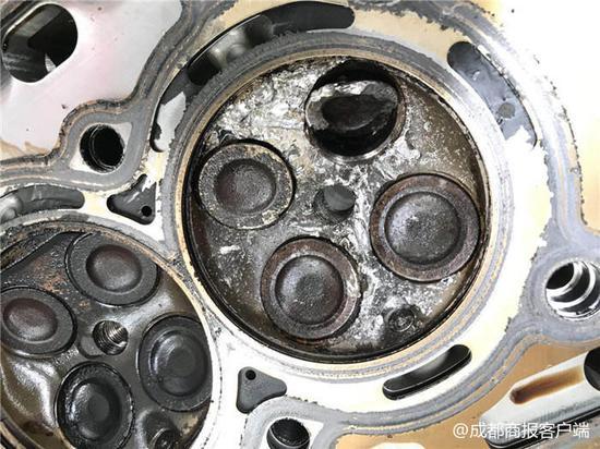 被损坏的发动机气门