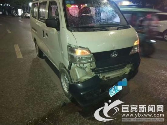 第一事故现场受害车辆。(张杰摄)