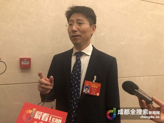全国人大代表、四川省教育厅厅长朱世宏
