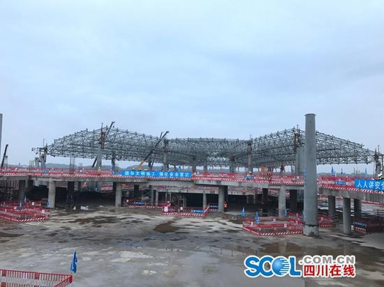 成都天府国际机场T1航站楼主体结构全面封顶