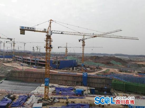 天府国际机场T1航站楼进度: