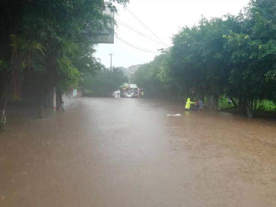 暴雨来袭!自贡最大降雨量已达107.7毫米