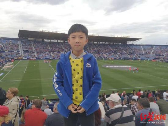 9岁的足球小将高泽恩