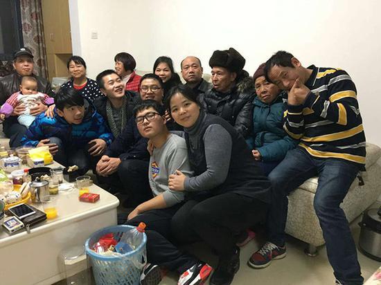 """2016年2月,春节假期,罗川杰去长沙陪曹钦父母。""""一句话就是一辈子"""""""