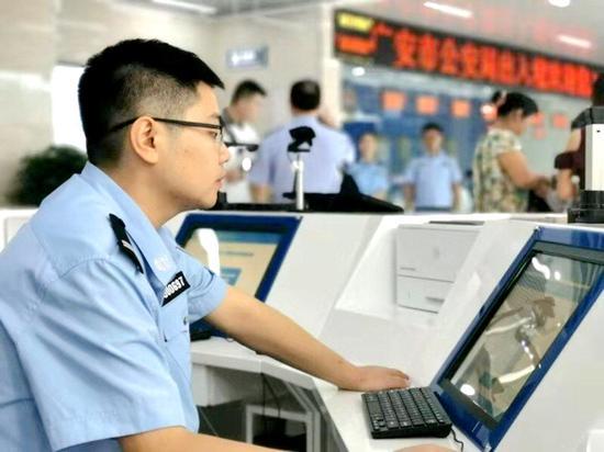 962096!四川公安将开通24小时出入境服务热线